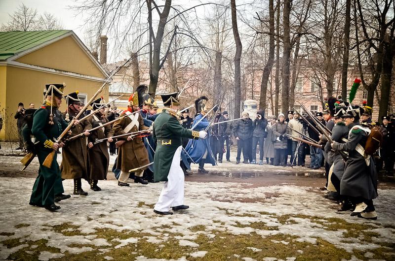 В сквере Суворовского музея 23 февраля отпразднуют реконструкторской битвой