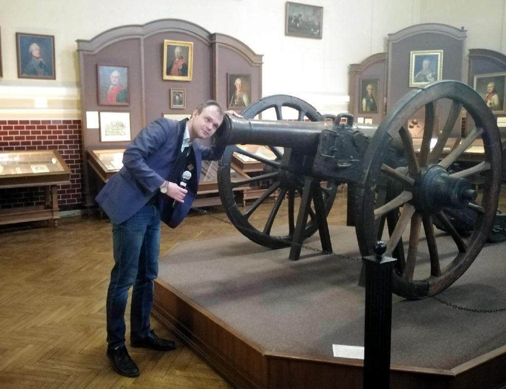 «Экспонаты с секретом» —  Суворовский музей открывает виртуальные двер
